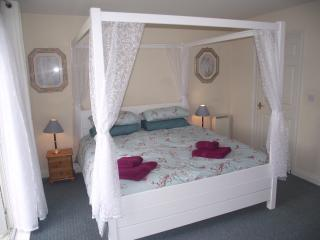 The Grange, Creek Gardens, Isle of Wight - Wootton vacation rentals