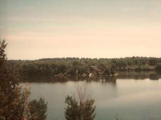 Secluded lakerfront cabin - fishing paradise - Ashton vacation rentals