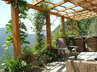 Nice Chateau with Internet Access and Satellite Or Cable TV - Pigna vacation rentals