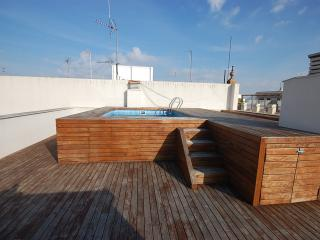 Museo IV apartment. Wifi and Pool - Seville vacation rentals