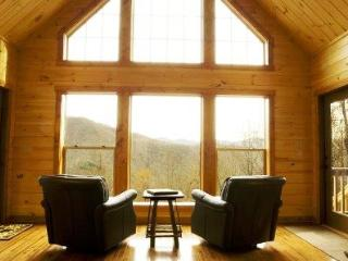 Millstone Lodge - Upscale Log Cabin with Captivating View, Hot Tub, Screened Porch, Fire Pit, Internet and More - Bryson City vacation rentals
