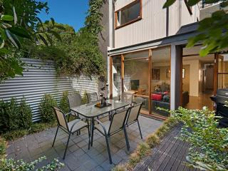 FitzGeorge - 2 bedroom in prime Melbourne location - Melbourne vacation rentals