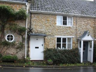Charming 1 bedroom Beaminster Cottage with Television - Beaminster vacation rentals