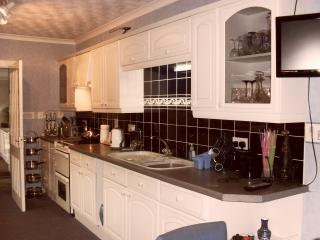 3 bedroom B&B with Internet Access in Shotts - Shotts vacation rentals