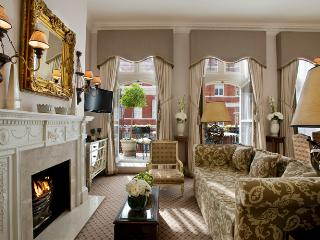 2 bed with Views to Kensington Palace and Gardens - London vacation rentals