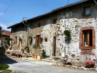 9 bedroom Gite with Internet Access in Haute-Vienne - Haute-Vienne vacation rentals