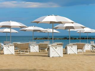 Nice Resort with Internet Access and Central Heating - Grottammare vacation rentals