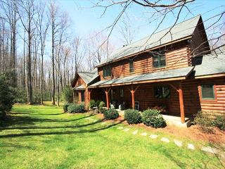 Cabin Creek is a spectacular 5 bedroom log cabin, secluded with privacy gate. - Blowing Rock vacation rentals