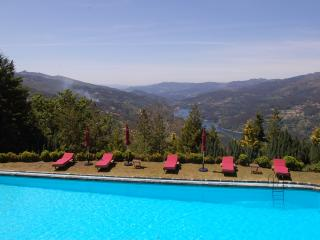 Charming 7 bedroom Villa in Geres - Geres vacation rentals