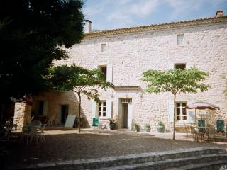 5 bedroom Farmhouse Barn with Internet Access in Aubussargues - Aubussargues vacation rentals