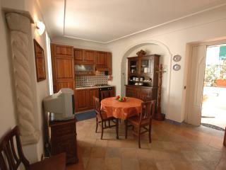 La Bifora, Amalfi - Amalfi vacation rentals
