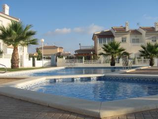 Beautiful 3 bedroom Townhouse in Quesada with A/C - Quesada vacation rentals