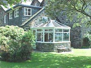 Beautiful 2 bedroom Llwyngwril Cottage with Internet Access - Llwyngwril vacation rentals