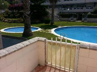 Nice Condo with Deck and Satellite Or Cable TV - El Catllar vacation rentals
