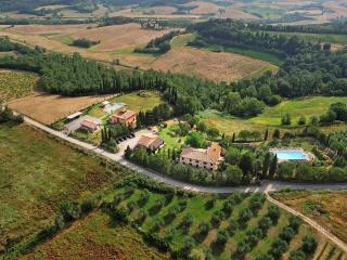 Apartment in Farmhouse (Girasole 6+1) province of Pisa, Volterra, San Gimignano - Volterra vacation rentals
