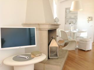 Di punto in bianco home...in Verona Center - Affi vacation rentals