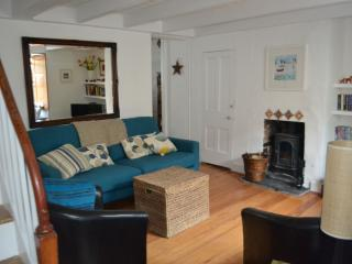 Southern Comfort 2 bed Cottage central old St Ives - Saint Ives vacation rentals