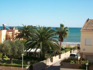 Beach-Front with pool, 15 min to Valencia city - Valencia vacation rentals