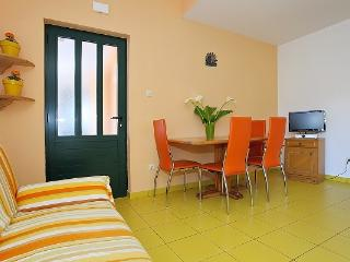 Last minute Apartment Daniela for 4 people - Jezera vacation rentals