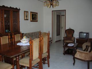 Romantic 1 bedroom Crema Townhouse with Garden - Crema vacation rentals
