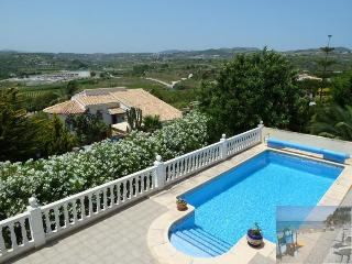 Elegant luxury villa. Air con & heated pool. - Moraira vacation rentals