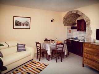 Casa Vacanza La Rosa a SAN FELE (PZ) - San Fele vacation rentals
