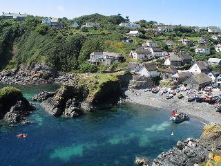 Pebbles - Cadgwith vacation rentals
