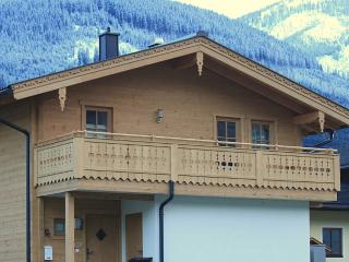 3 bedroom Chalet with Deck in Niedernsill - Niedernsill vacation rentals