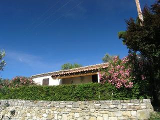 Cozy 2 bedroom Gite in Bessas with Internet Access - Bessas vacation rentals