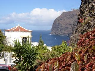 Sunny 2 bedroom Los Gigantes Villa with Internet Access - Los Gigantes vacation rentals