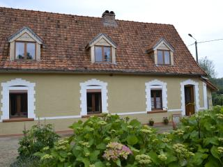 3 bedroom Farmhouse Barn with Fireplace in Ergny - Ergny vacation rentals
