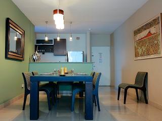 Pacific Sea, Ocean View apt, sleeps 5+ - Panama City vacation rentals