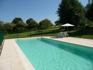 Rouffiaguet offers a relaxing stay for couples. - Lanouaille vacation rentals