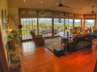 Incredible View, Quiet, 2 bdrm suite, use of house - Caldera vacation rentals