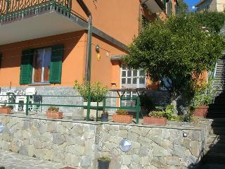 2 bedroom Apartment with Television in Levanto - Levanto vacation rentals