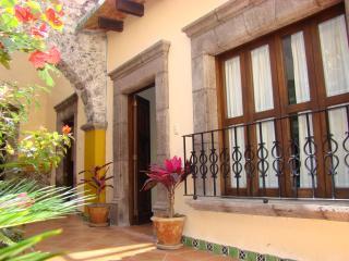 """2 block to """"El Jardín"""" Mexican Hacienda Charm - San Miguel de Allende vacation rentals"""