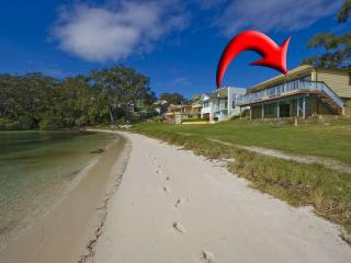 Bay Vista Beach House, 3 Randall Drive - Raymond Terrace vacation rentals