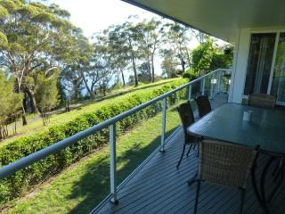 Ripple Cove, 28 Thurlow Avenue - FREE WIFI - Shoal Bay vacation rentals
