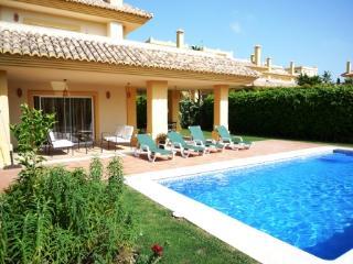 4 bedroom Villa with Internet Access in Sotogrande - Sotogrande vacation rentals