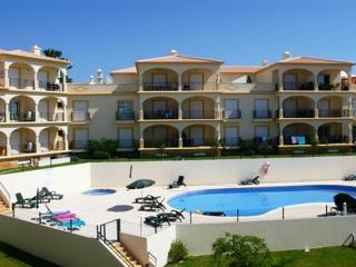 Albufeira apartment, short walk to shops & beach - Albufeira vacation rentals