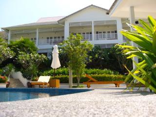 1 bedroom Condo with Deck in Bang Tao Beach - Bang Tao Beach vacation rentals
