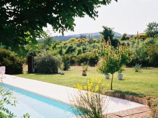 Bright Villa with Internet Access and Dishwasher - Venelles vacation rentals