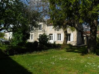 Nice Aulnay House rental with Internet Access - Aulnay vacation rentals