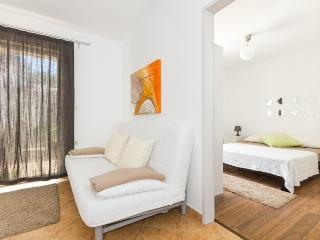 TROGIR, MASTRINKA, apt. Blue Sky 1 - Mastrinka vacation rentals