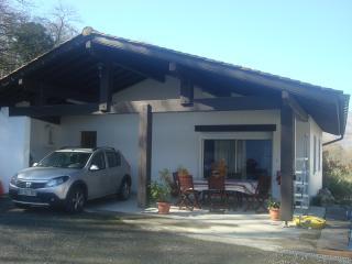 Gite au coeur du pays Basque pour 5 personnes - Saint Jean Pied de Port vacation rentals