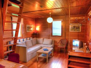 Beautiful 1 bedroom Vacation Rental in Eskifjordur - Eskifjordur vacation rentals
