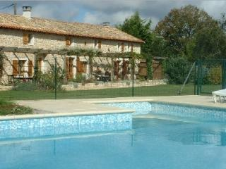 Nice Gite with Internet Access and Television - Gournay-Loize vacation rentals