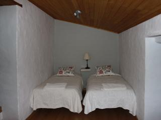 Romantic 1 bedroom Farmhouse Barn in Santarem - Santarem vacation rentals