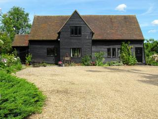 BURNTWOOD END Barn.Idyllic rural location - Saffron Walden vacation rentals