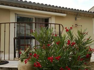 Romantic 1 bedroom Condo in Malaucene - Malaucene vacation rentals
